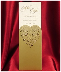 Vysouvací svatební oznámení se zlatým srdcem