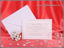 Jednodílné svatební oznámení vyrobené z hlazeného grafického kartonu bílé barvy s lehce teplým odstínem vzor 3161