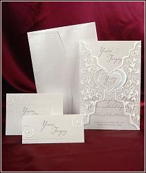 Bílé dvoudílné svatební oznámení vzor 3594 s průhlednou košilkou