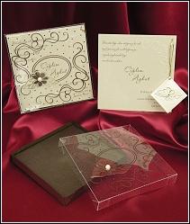 Svatební oznámení 3649 ve formě krabičky.