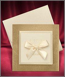 Čtvercové otevírací svatební oznámení s mašlí a se zlatou podkladovou kartou vzor 3676