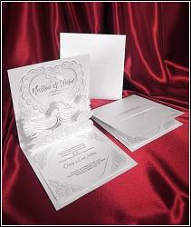 Trojrozměrné svatební oznámení 5454 s hrdličkami.