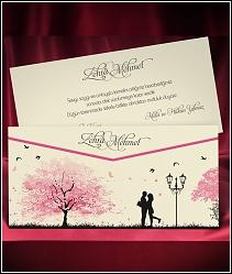 Vysouvací dvoudílné svatební oznámení s milenci pod lampou v růžově kvetoucím parku 5468.
