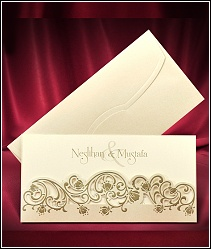 Dvoudílné svatební oznámení ve formě kapsy ze zlatě perleťového polokartonu 5534.