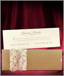 Vysouvací retro svatební oznámení s kraftovým přebalem a jemnými květinkami 5547.