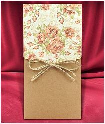 Svatební oznámení s kapsou z kraftového papíru, s květinami a režnou mašličkou 5575.